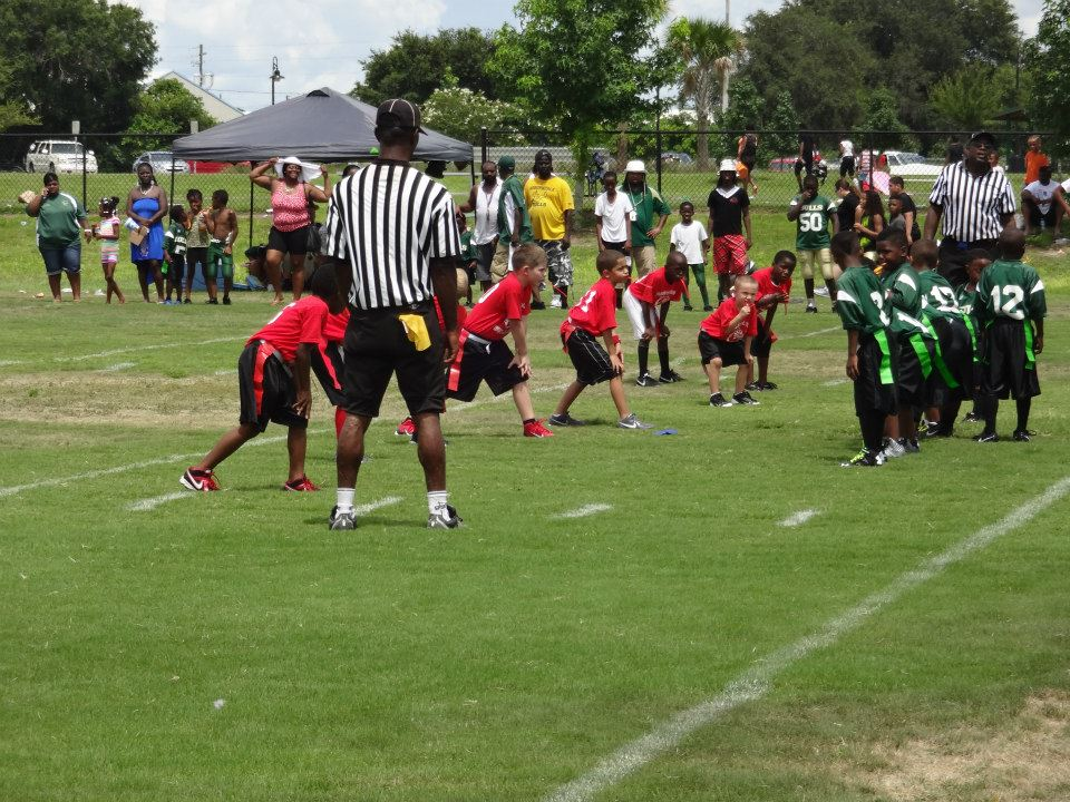 A pee wee flag football game at Simmers-Young Park