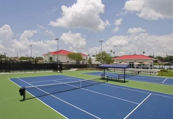 The tennis courts at Lake Eva Park