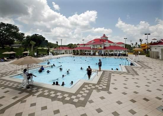The pool at Lake Eva Park