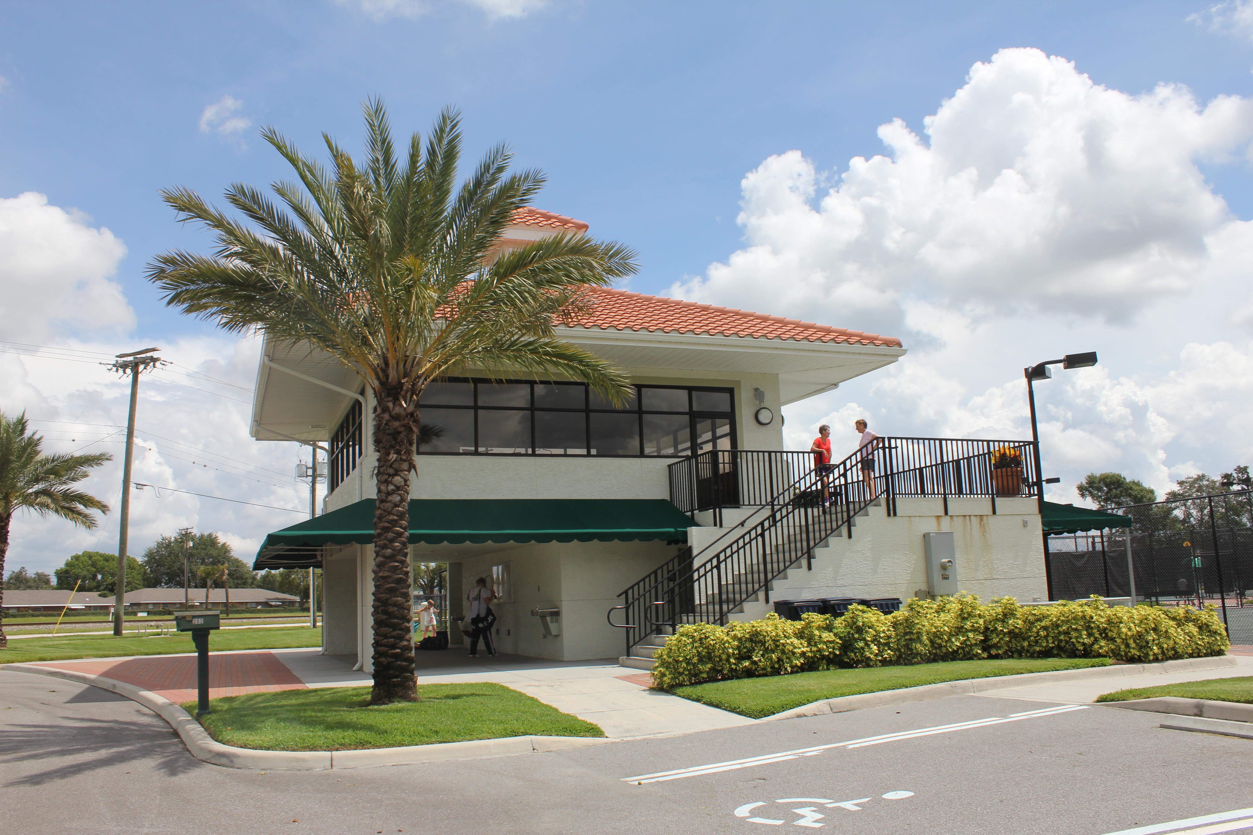 The outside of the Auburndale Tennis Center
