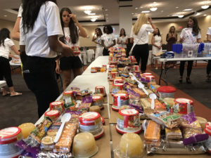 Miss Florida contestants packaged food to donate